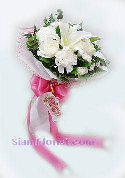 2053   Bouquet of Mixed Fresh Flowers