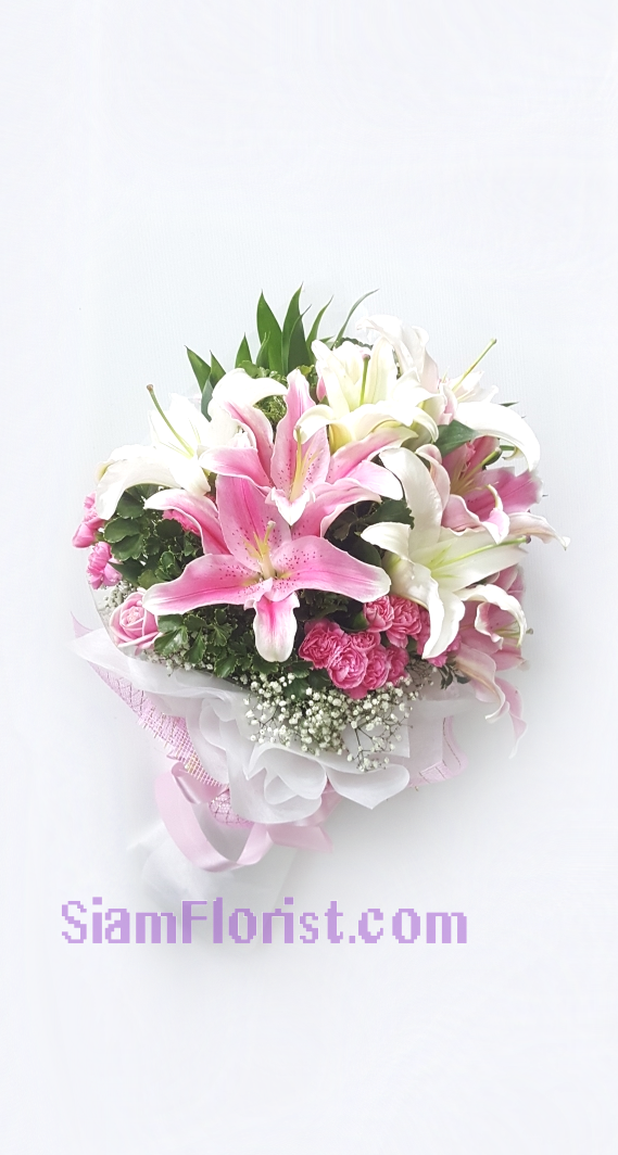 1131. Bouquet of Mixed Flowers..click for detail