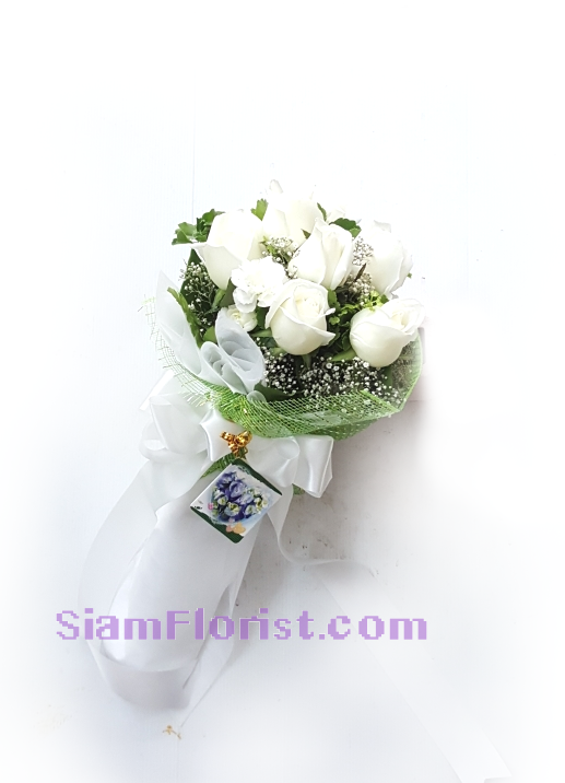 RR1159. Bouquet of white Roses..click for detail