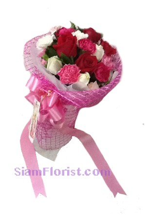 2248  Bouquet of flowers Down Town click for detail