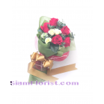 01889Af  Bouquet of Artificial Flowers