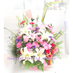 01905 Basket of Mixed Flowers