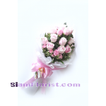 018453na Bouquet of Roses Click for detail