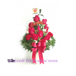 2517  Vase of Roses..click for detail